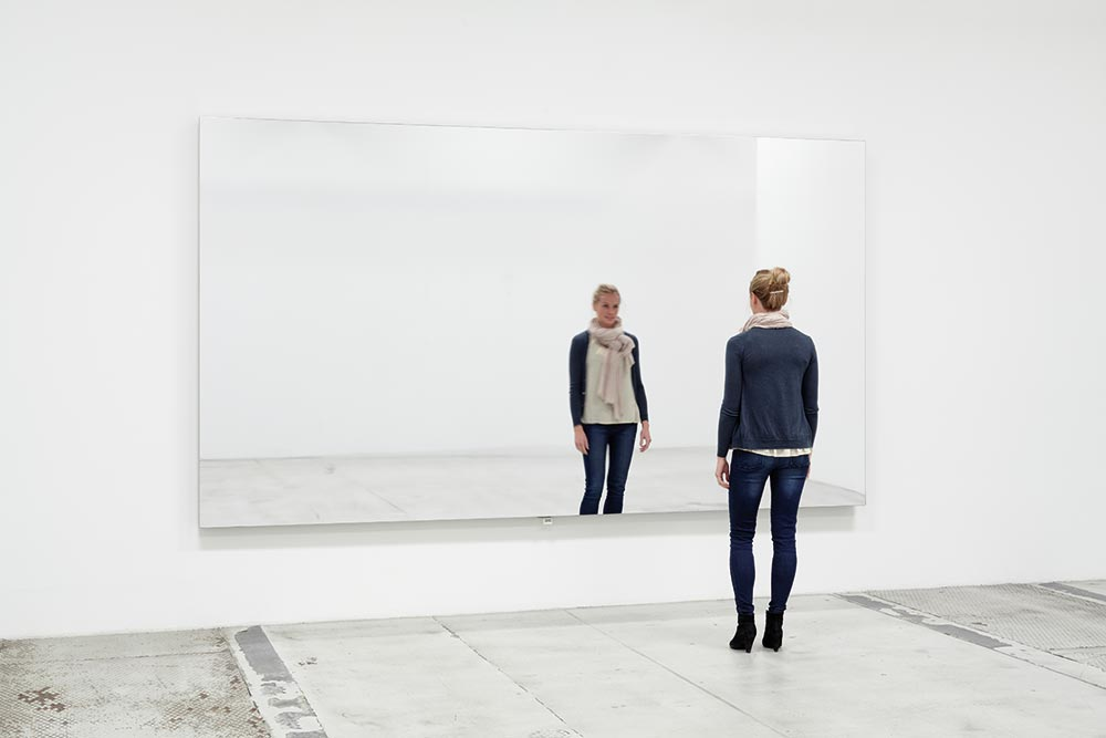 Jeppe Hein. Mirror Wall (2009), Mirror foil, wooden frame substructure, vibration system, Dimension variable, Edition of 3 + 2 AP.