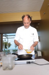 Moreno Cedroni cooking the soft omelette