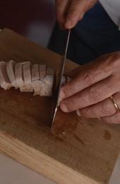 Preparation of tuna tataki