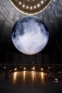 The 'largest moon on earth' in the Oberhausen Gasometer Sculpture. Photo by Wolfgang Volz