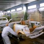 Paint shop on the assembly line at Citroën, photo credits by Citroën
